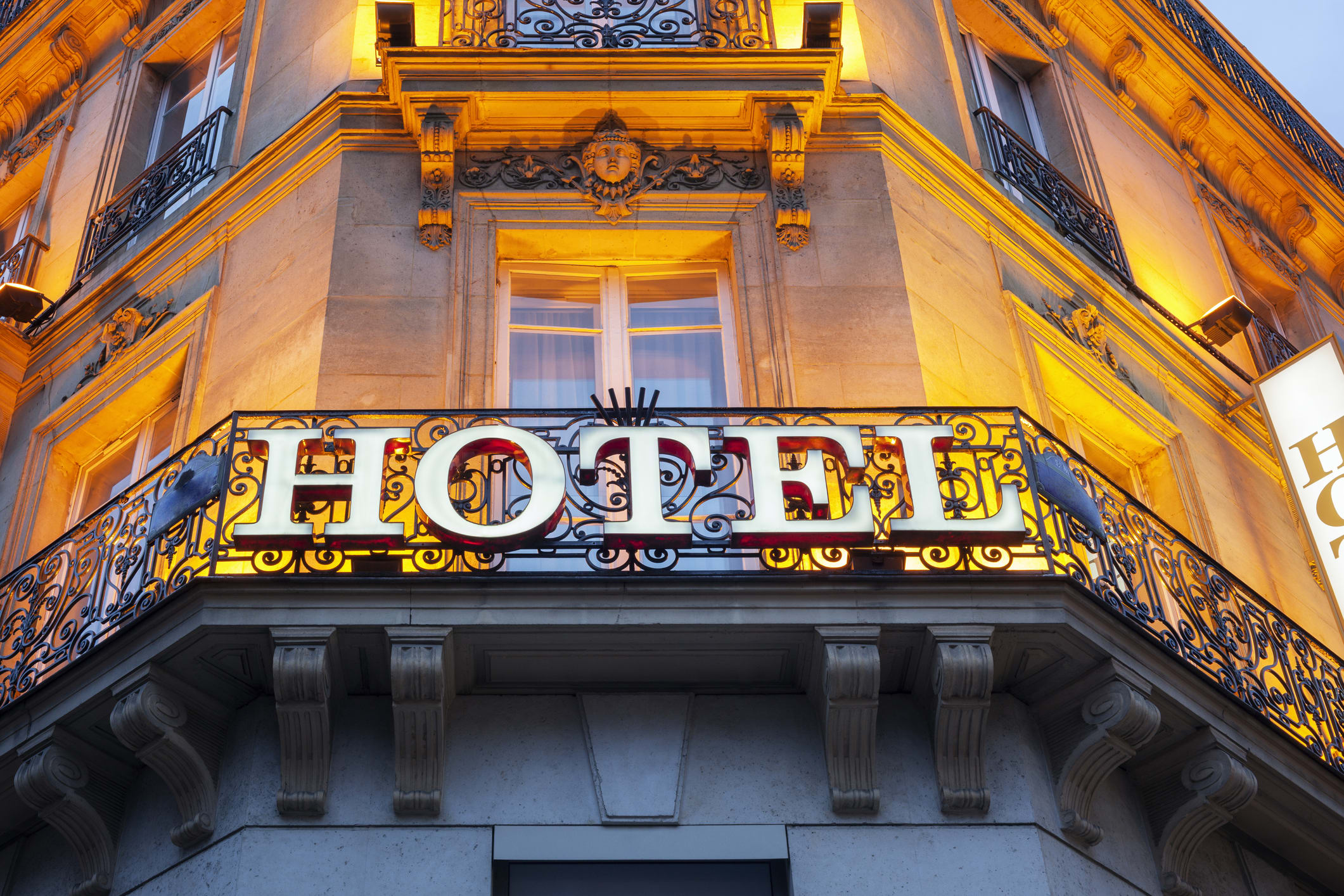 save money on hotel room