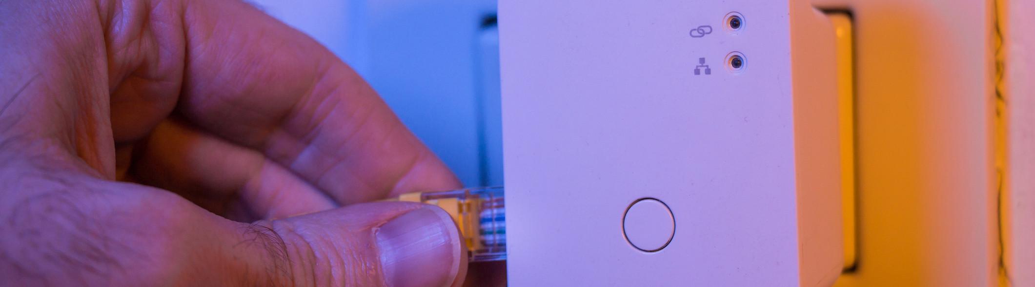 Plug-in WiFi Extender