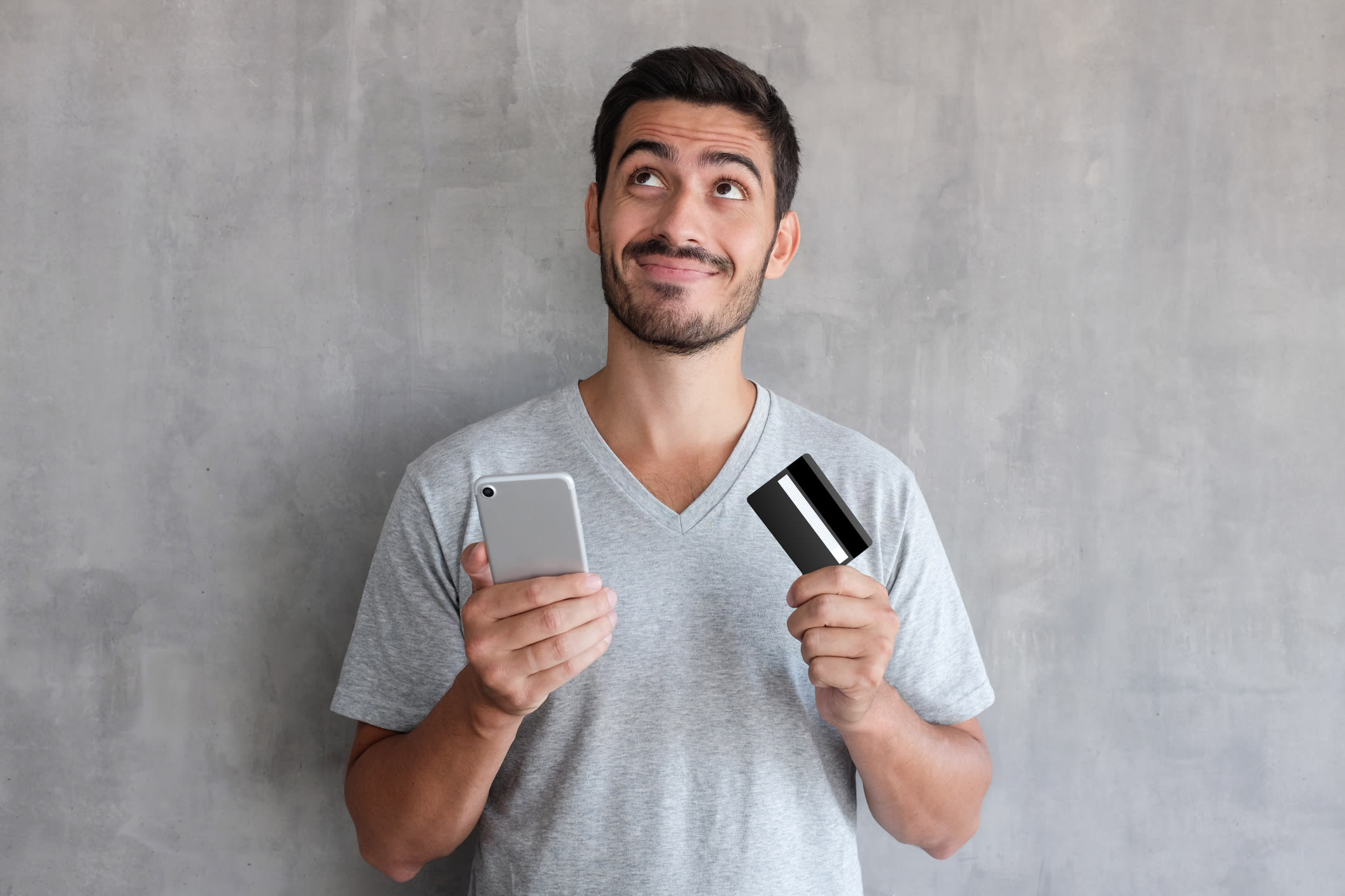 man selling gift card online