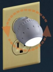 Dreambaby Rotating Sensor LED Night Light for $4